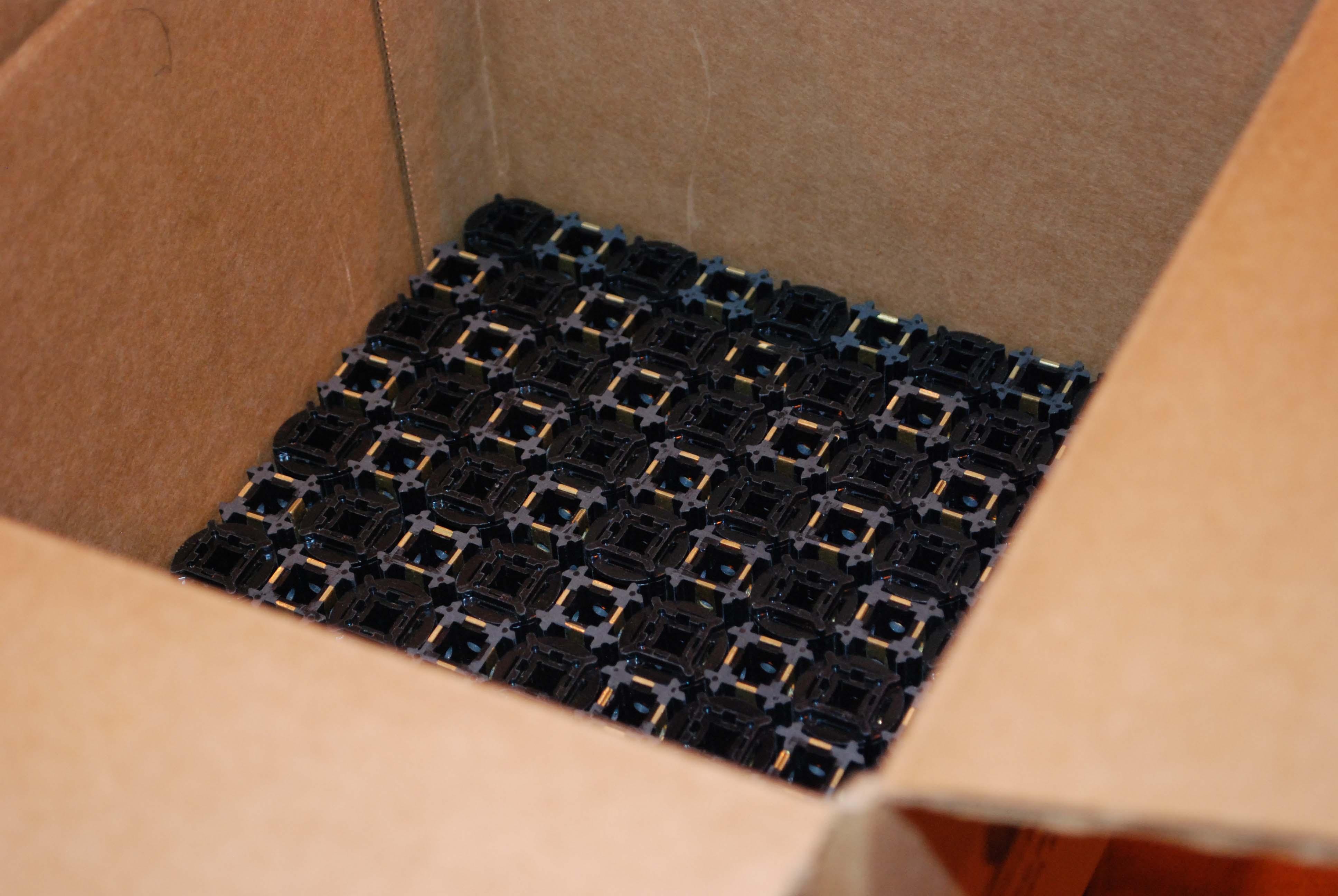 plastic_knob_layer_packaging